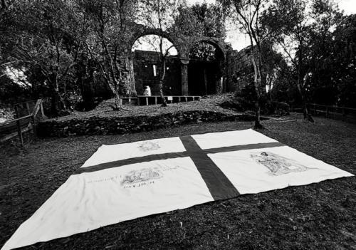 ruderi e bandiera san tomaso